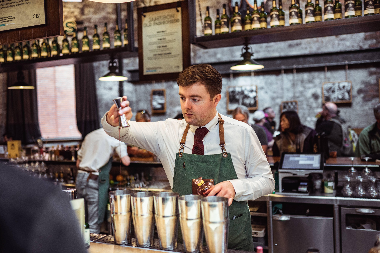 Als bartender ben je de held van de bar!